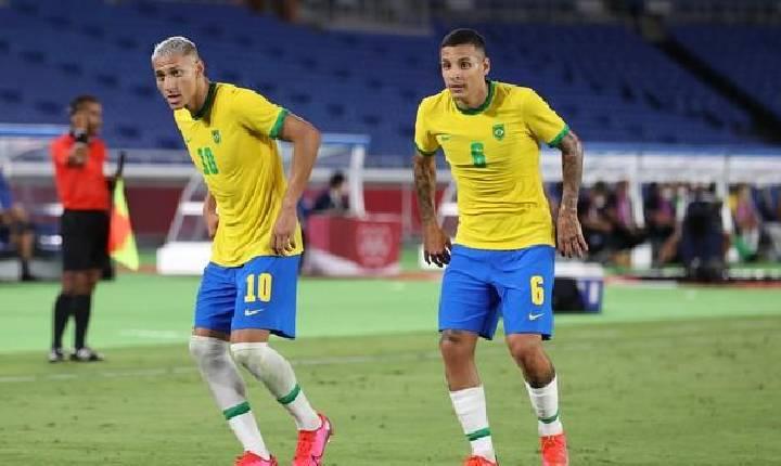 Brasil leva susto, mas brilho de Richarlison e golaço de Paulinho garantem vitória na estreia contra a Alemanha