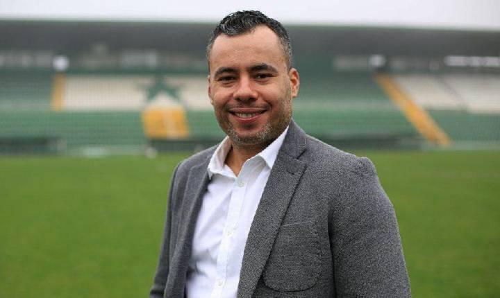Chapecoense oficializa contratação de novo treinador