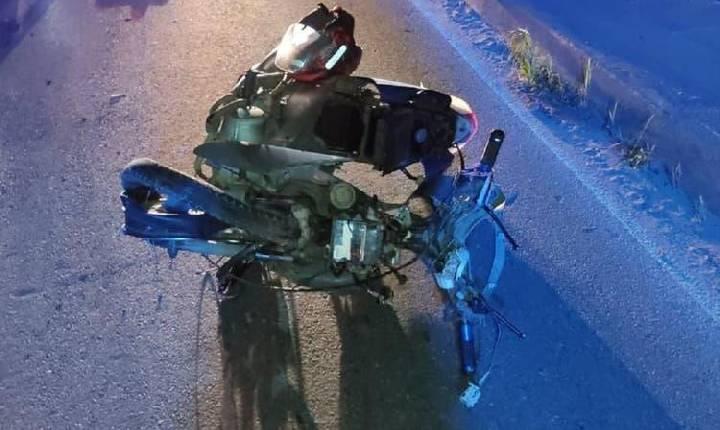 Colisão entre carro e motoneta deixa jovem morta em Santa Catarina