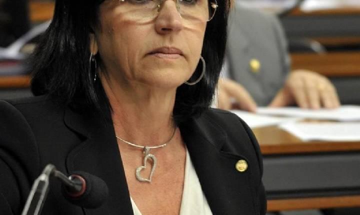 Deputada de SC diz que errou ao votar sobre PEC do voto impresso: 'Tentei modificar por 20 minutos'