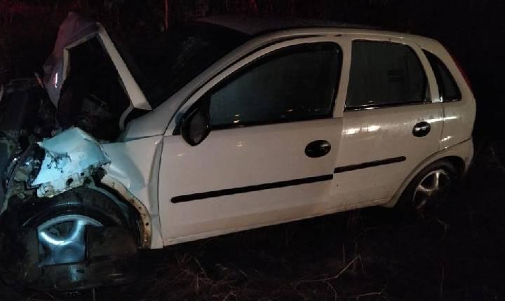 Homem morre após colisão entre carro e caminhão em Santa Catarina