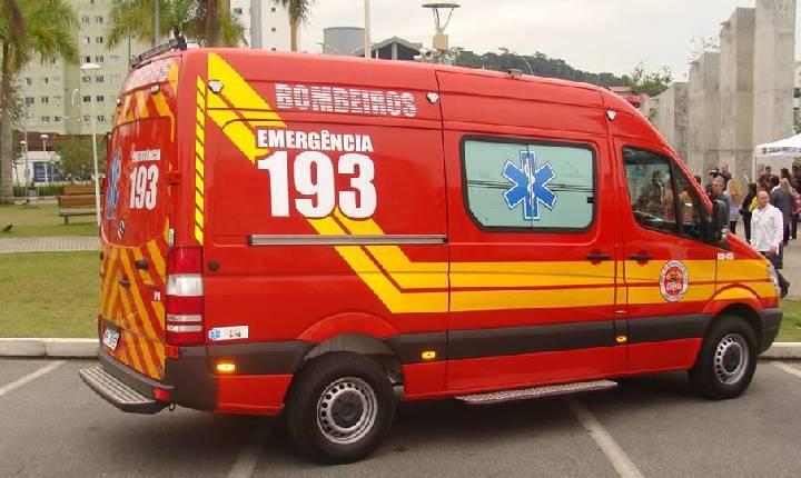 Idoso morre após colisão frontal entre carro e caminhão na BR-282