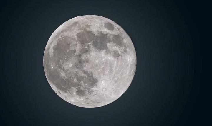 Lua azul: entenda por que teremos no domingo uma 'Blue Moon' original, mesmo sem a mudança de cor