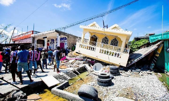 Número de mortos por terremoto no Haiti passa de 1.200