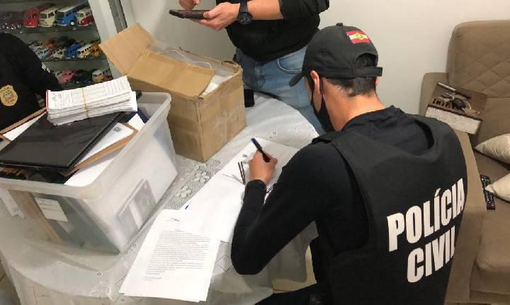 Polícia Civil deflagra operação e cumpre mandados de busca e apreensão em prefeituras de Ipira, Piratuba e outros