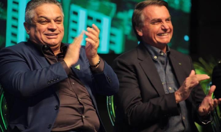 Presidente Bolsonaro fala a empresários em Chapecó