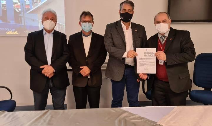 Sopelsa e Secretário de Estado da Saúde visitam HSF e anunciam R$ 2 milhões em investimentos