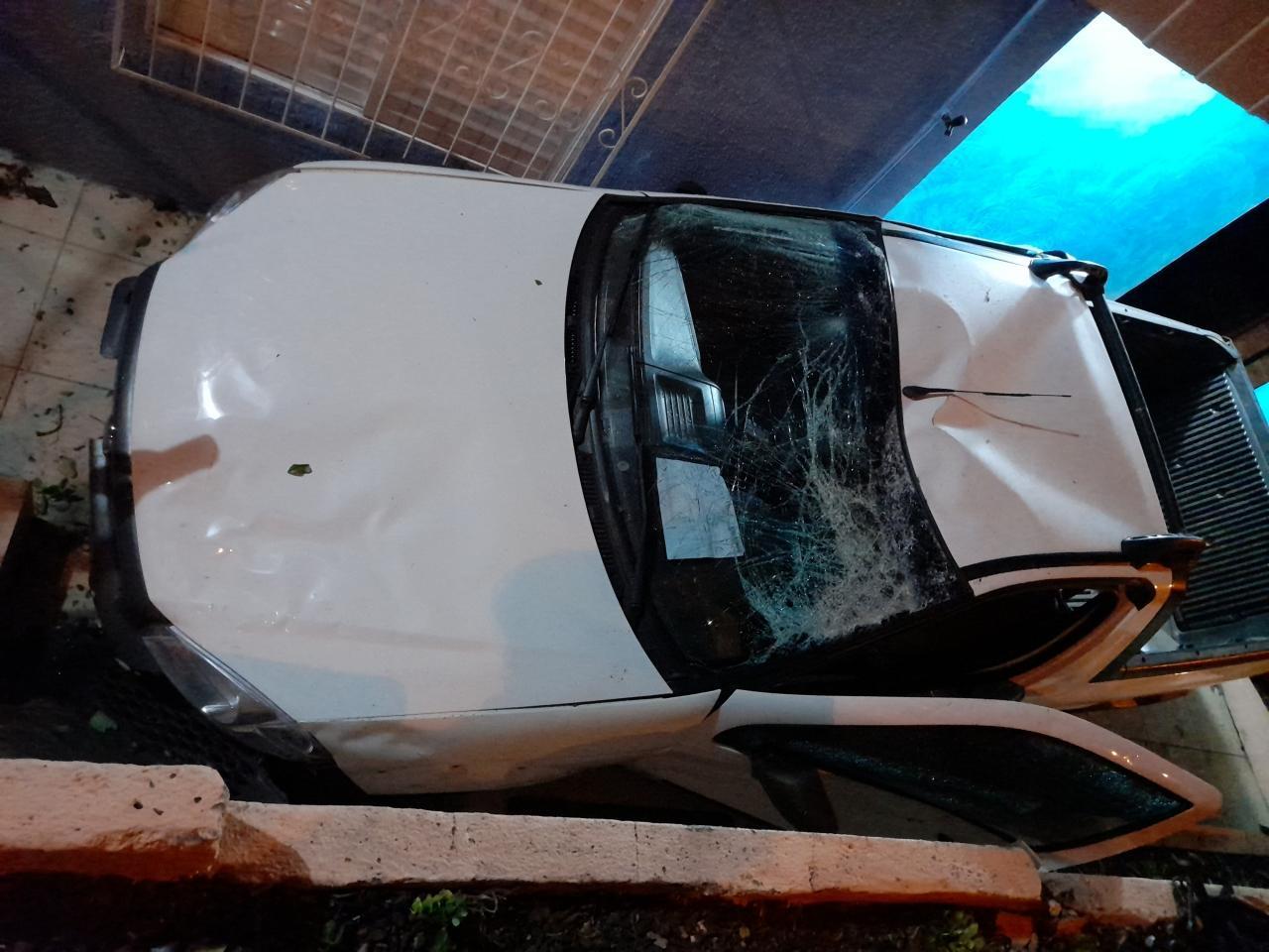 Motorista embriagado se envolve em acidente, tenta fugir, mas acaba detido pelo próprio filho